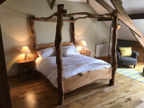 four poster tree bed